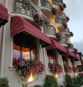 Un hotel de mai mare dragul, in Predeal
