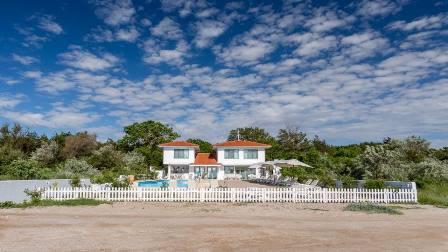 Casa de la mare, direct pe plaja din Olimp