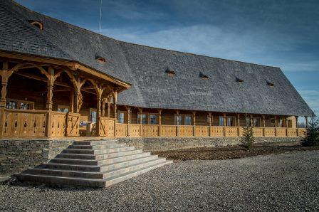 PLAI CU PERI – casa de oaspeti din inima Sapantei, Maramures