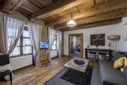 4 apartamente de oaspeti, in centrul vechi al orasului Brasov