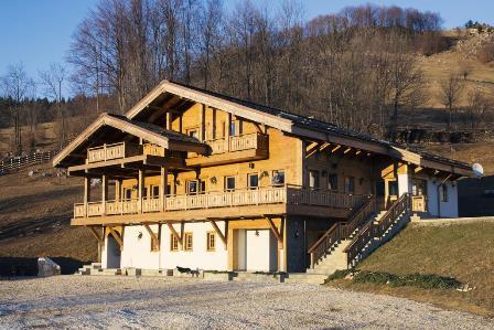 O cabana incantatoare in satul Magura, comuna Moieciu din judetul Brasov