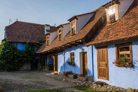 Case vechi transformate in pensiuni
