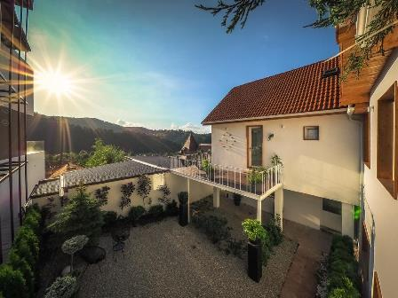 Shard Guest House in Brasov